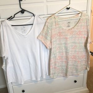Two tee's SZ 2X one white  one print